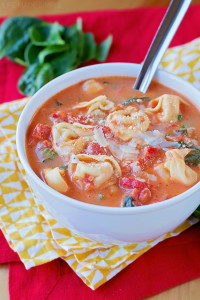 Creamy-Tortellini-and-Spinach-Tomato-Soup-3