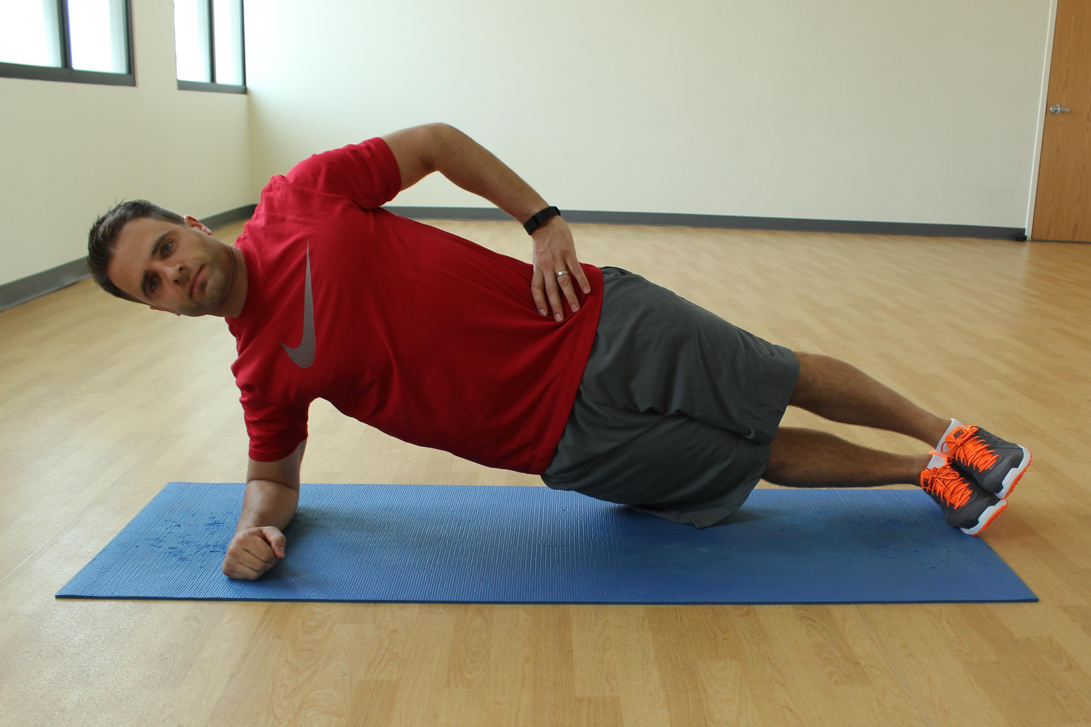 Plank side crunch