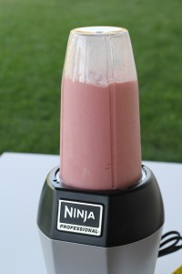 Ninja Professional Blender Strawberry Banana Smoothie